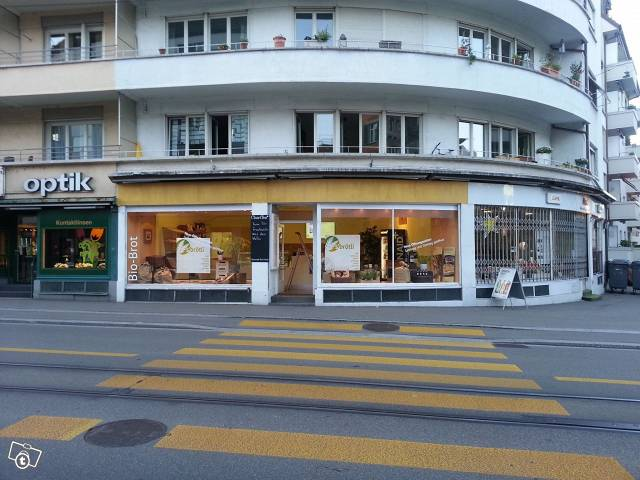 Gepflegtes Ladenlokal in Wiedikon m. Inventar